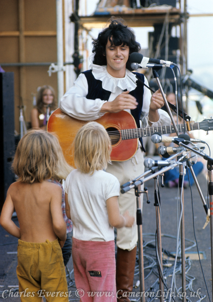 Donovan on stage at Afton 1970